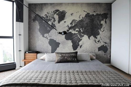 Mapa nad łóżkiem