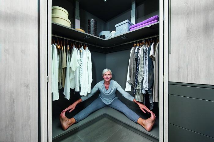 garderoba w narożniku